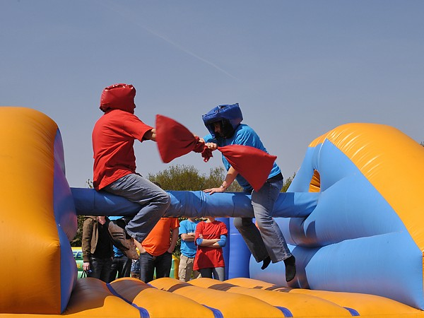 Events Entertainment Hire It S A Knockout Hire Leicester